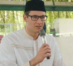 Reidar Georg Thumm Ingin Memeluk Islam